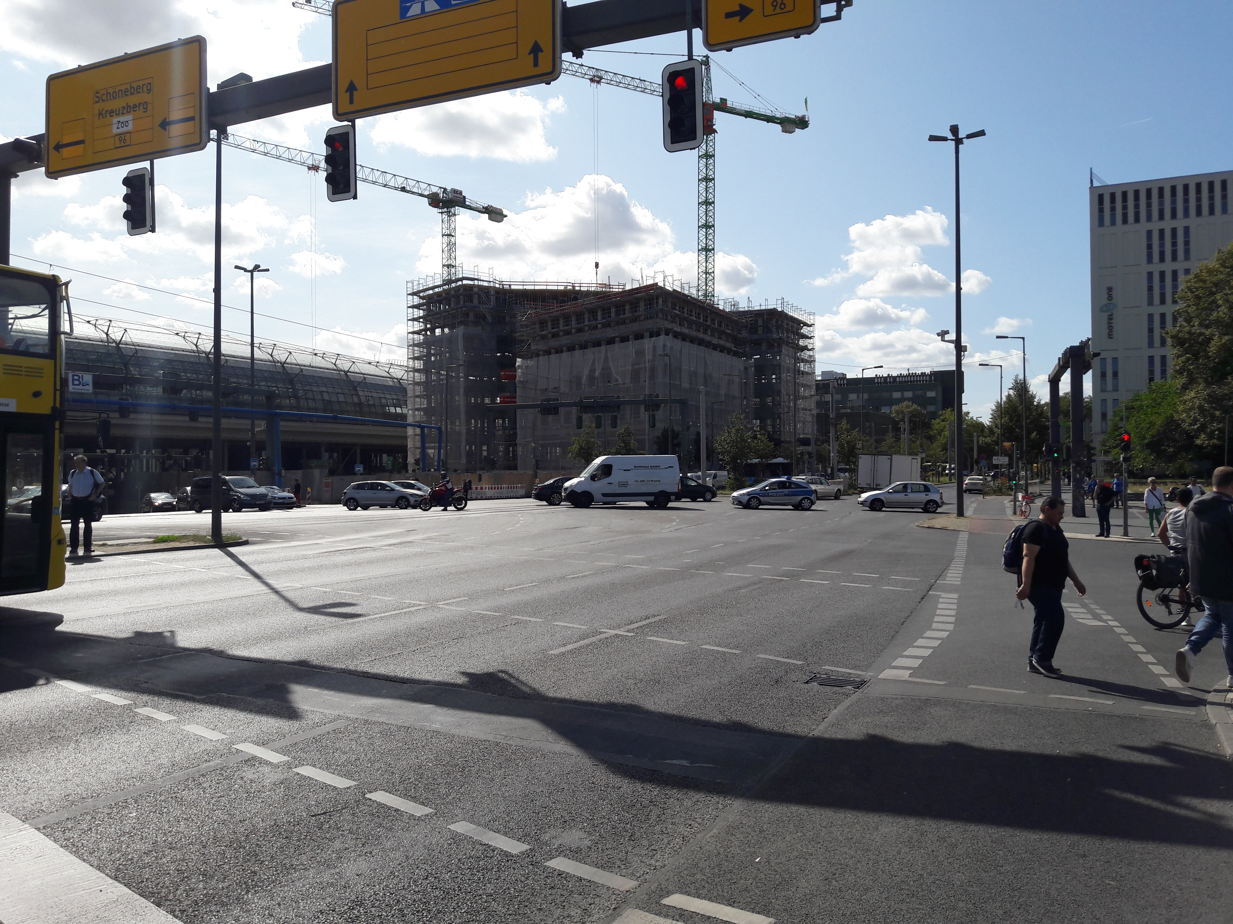 Edge-Berlin-Hauptbahnhof.jpg