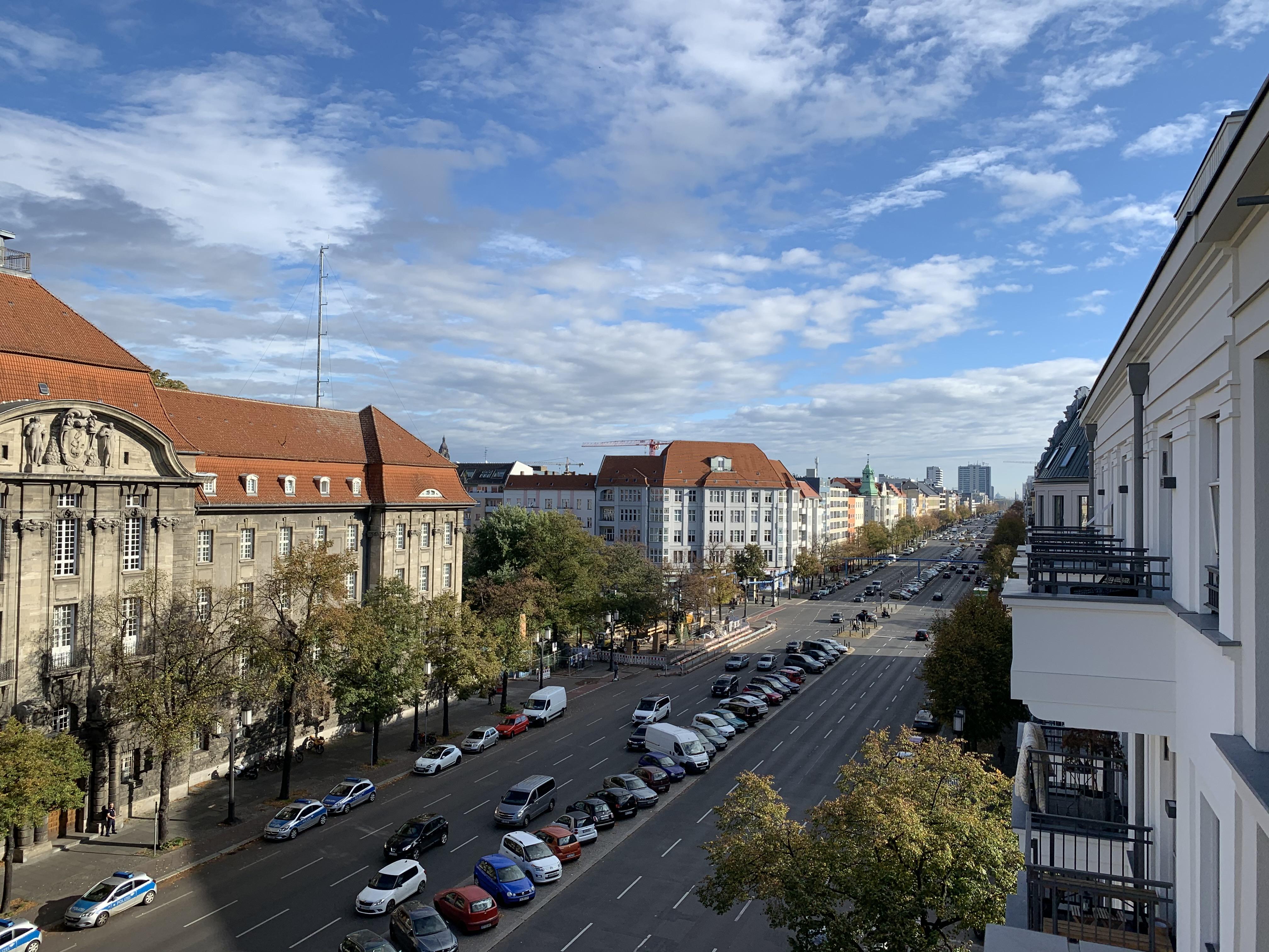 Kaiserdamm 116, 2019-10-20 Aussicht Balkon.jpg