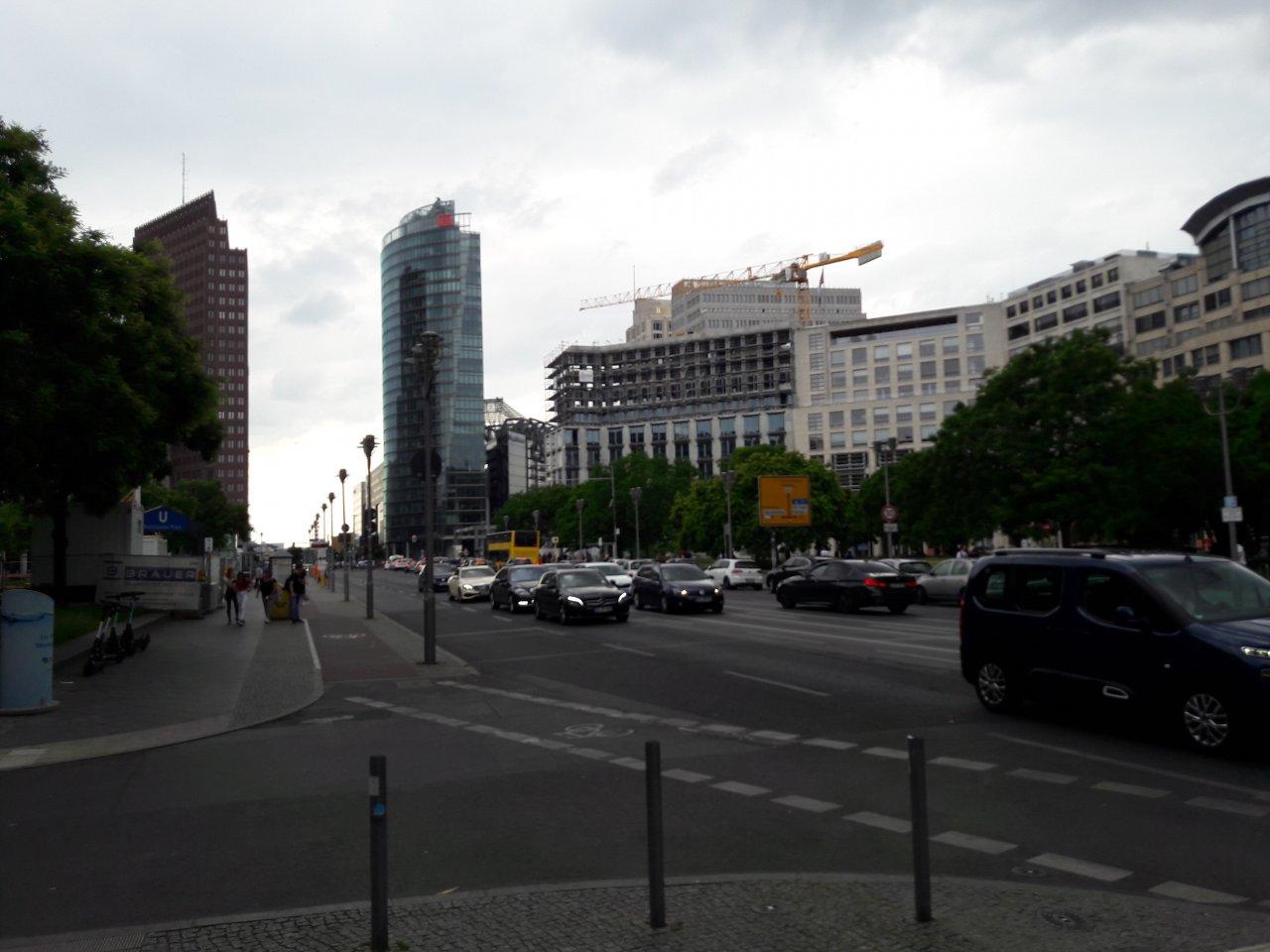 Leipziger-Platz-Eckbau-Bauarbeiten.jpg