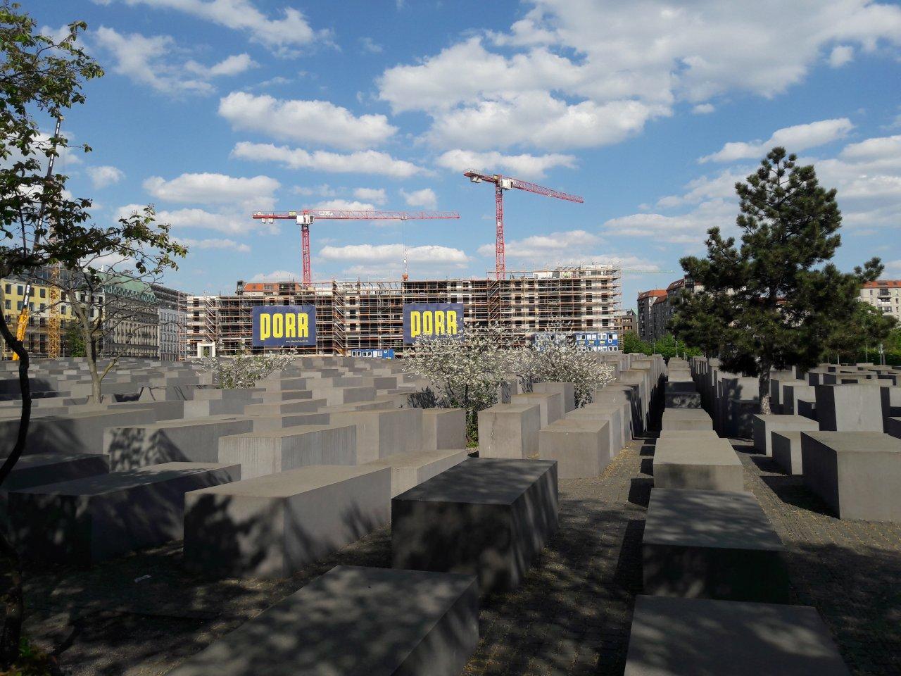 MUC-Real-Palais-Brandenburger-Tor.jpg