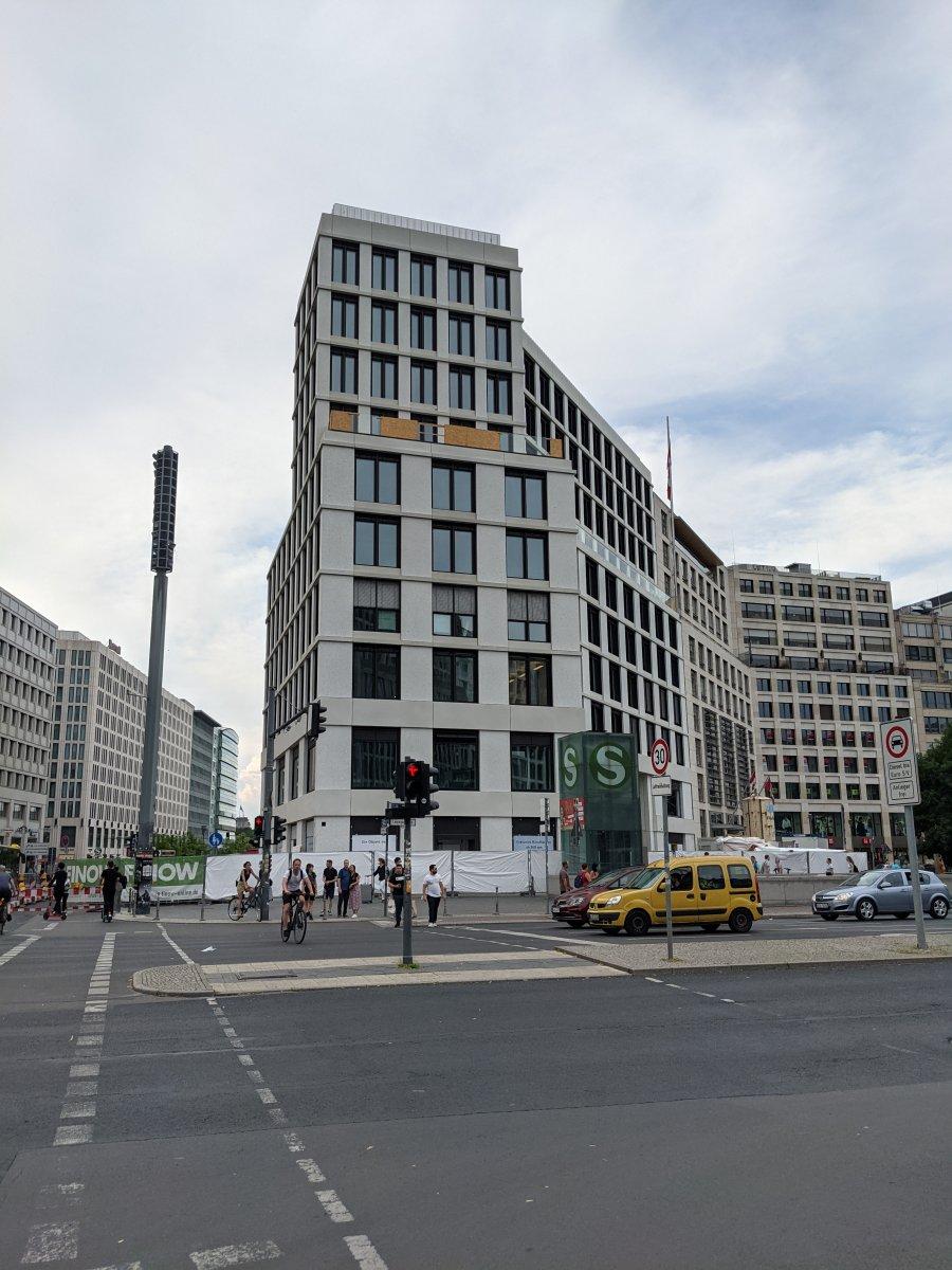 Neubau-Leipziger-Platz.jpg