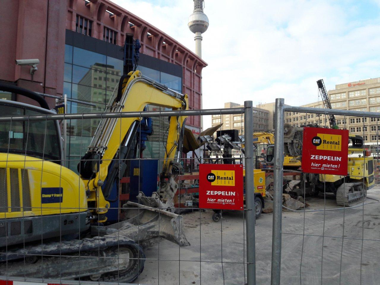 Neue-Hochhaeuser-Alexanderplatz.jpg