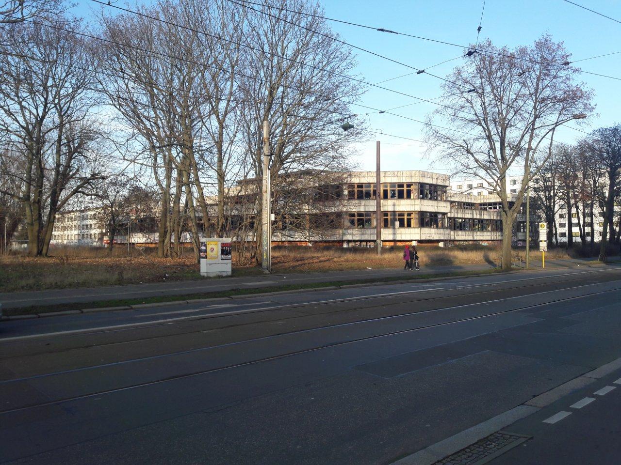 Ruine-sportforum-lichtenberg.jpg