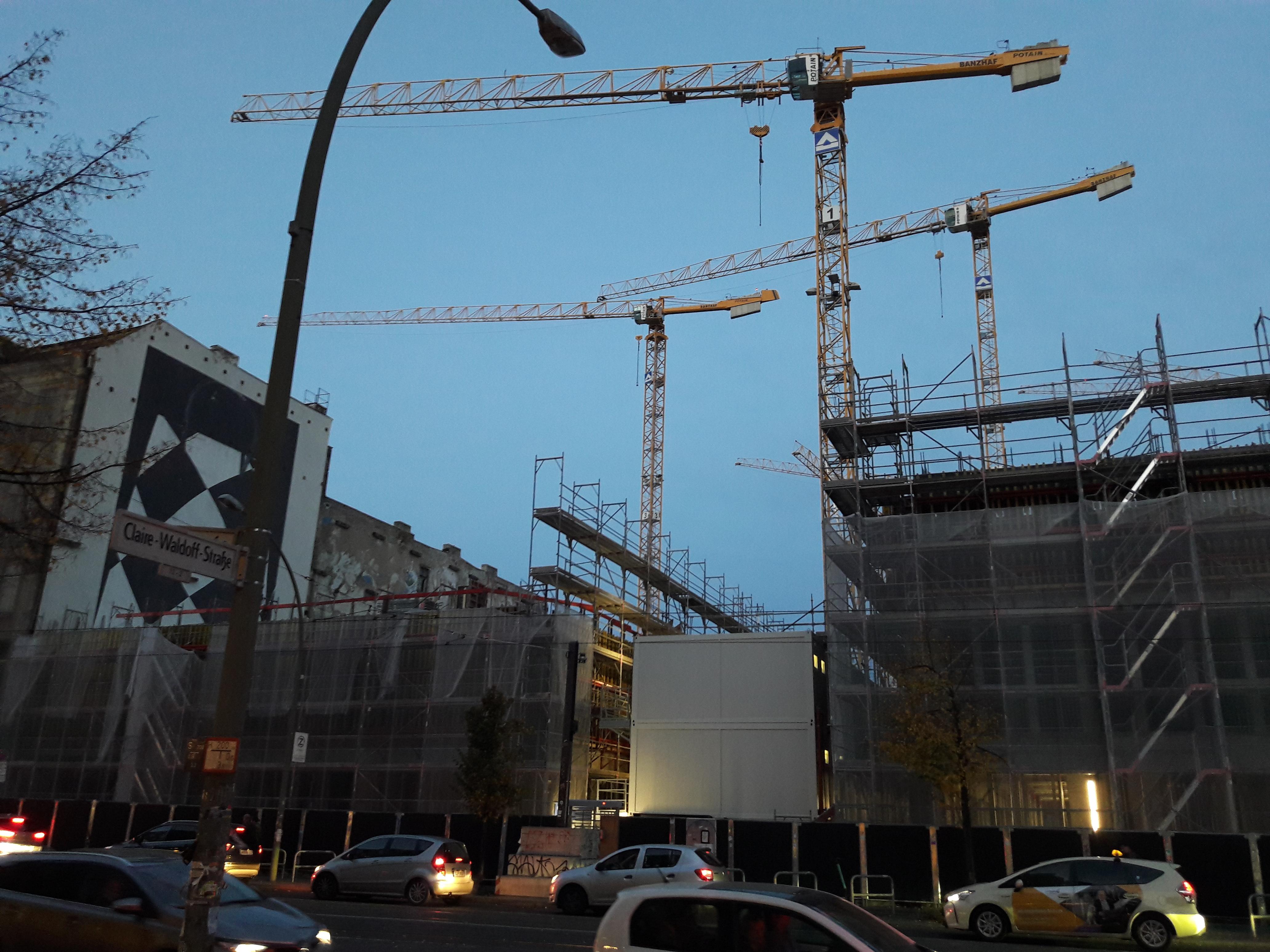 Tacheles-Neubau-Friedrichstrasse.jpg